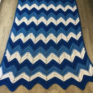 Vintage chevron zig zag Afghan crochet blanket